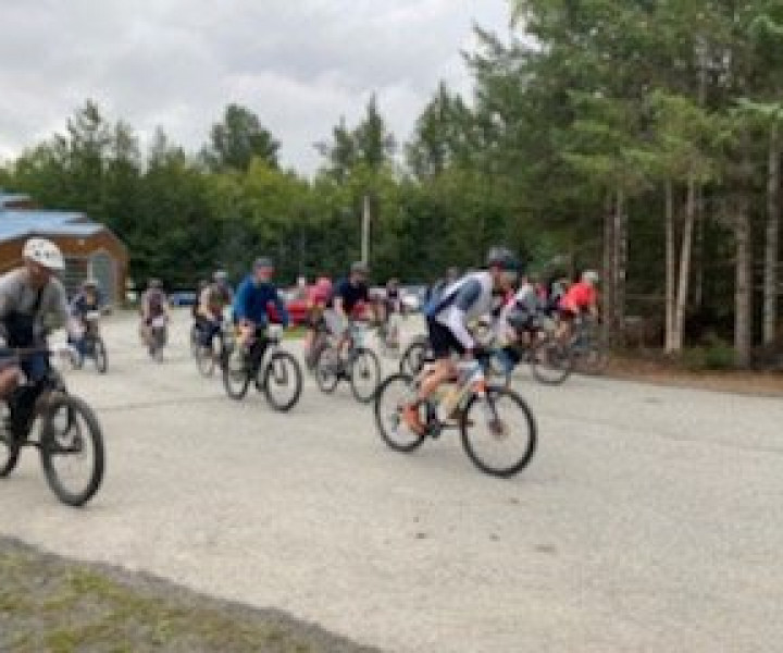 Racers take off for the 2nd Annual Mineshaft Grinder in Hope, AK